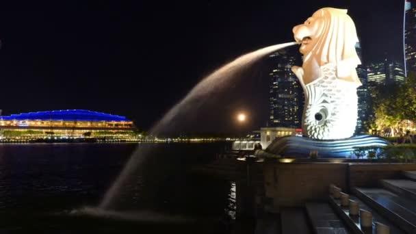 Singapore, Singapore - May 8, 2018 : Time lapse at Singapore city landmark Merlion