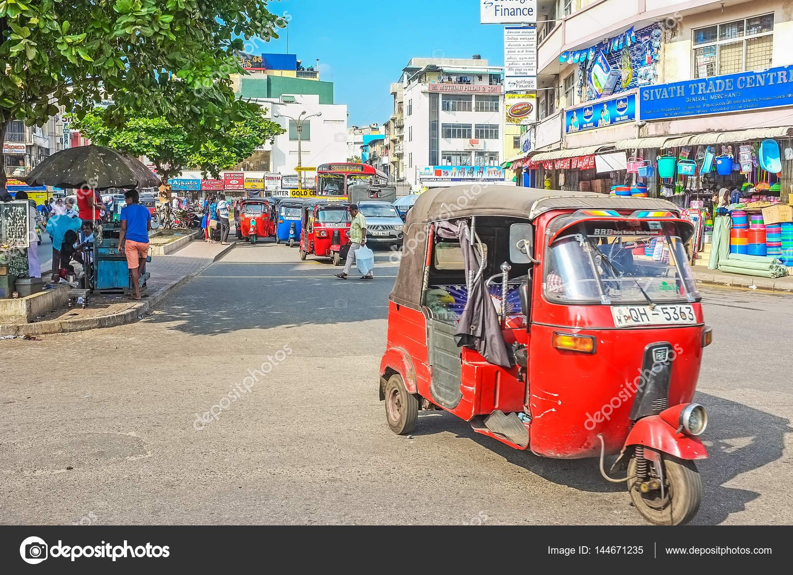 Ride the tuk tuk – Stock Editorial Photo © efesenko #144671235