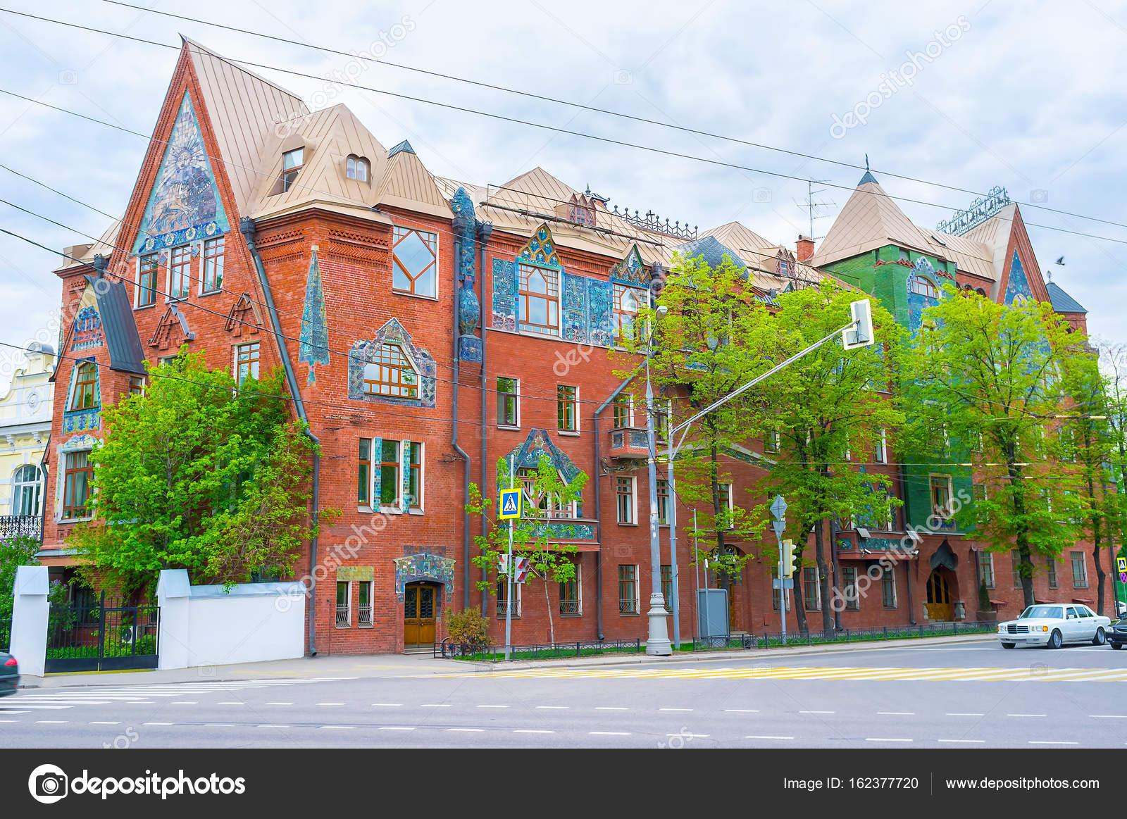 Rijkelijk versierd huis u2014 stockfoto © efesenko #162377720