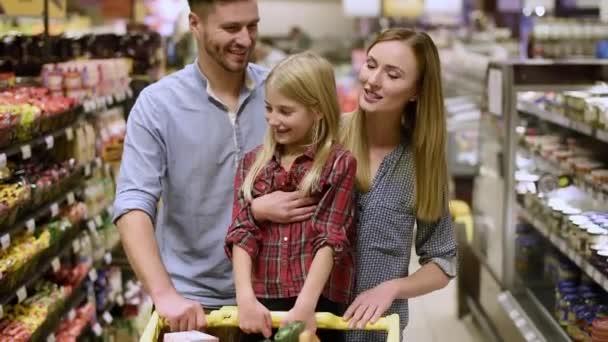 Šťastná rodina, nakupování