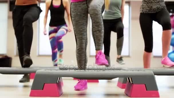 ženy, které děláte taktování cvičení