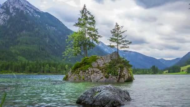 Zataženo ráno v jezera Hintersee. Časová prodleva
