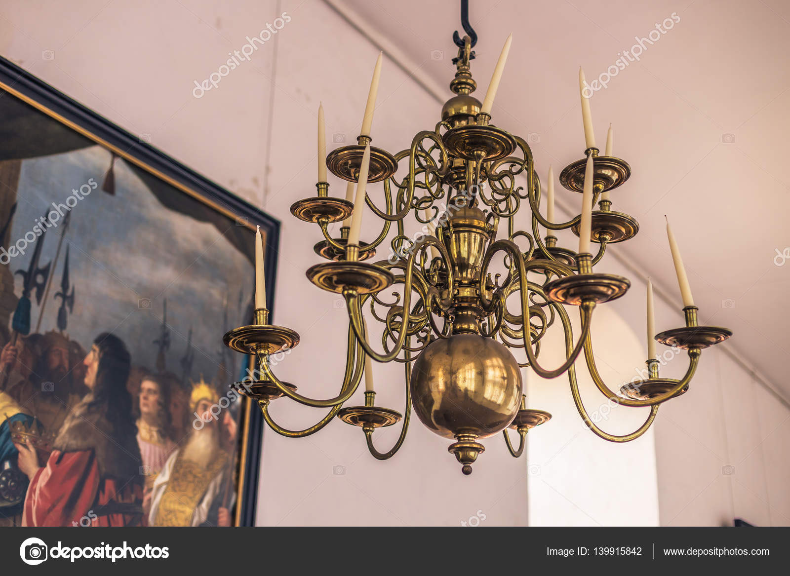 Antike Kronleuchter Frankreich ~ Dezember alte kronleuchter im inneren schloss kronborg