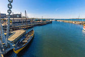 Roskilde, Dänemark - 1. Mai 2017: Viking lange Boote in den Hafen von Roskilde