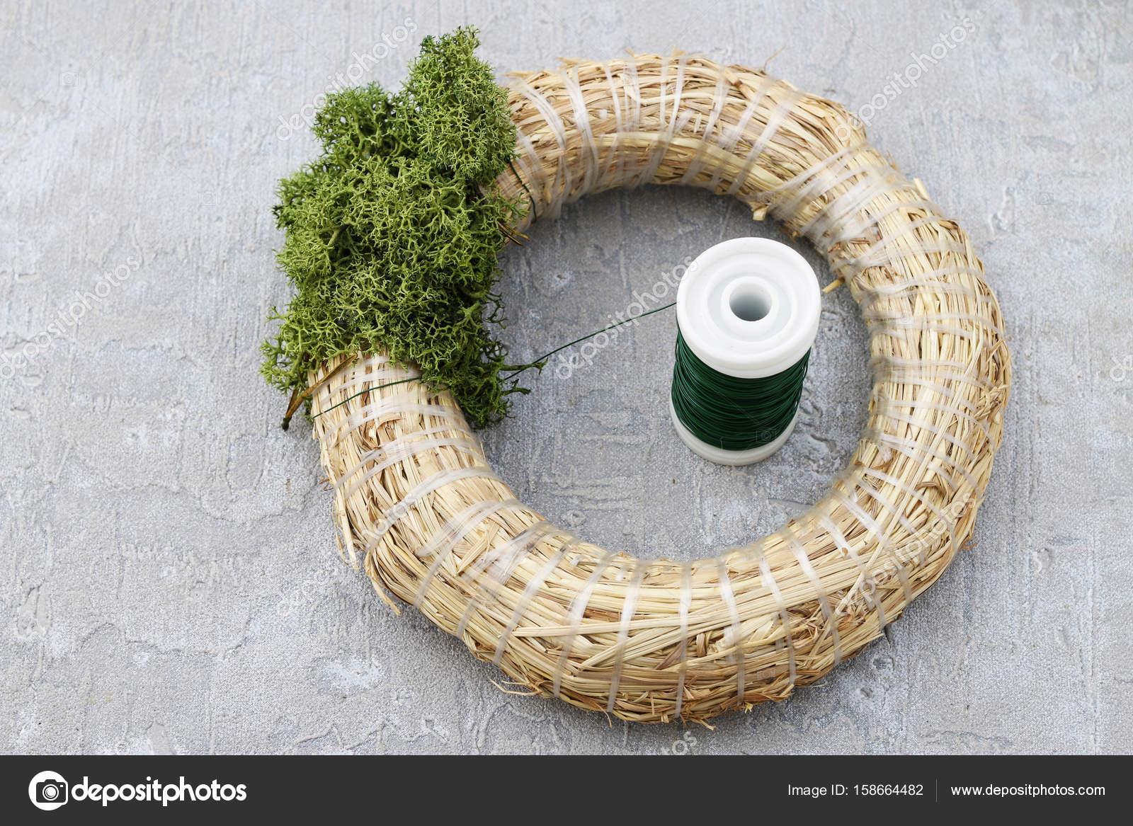 comment faire guirlande de noël porte avec moss et hortensia sec fl