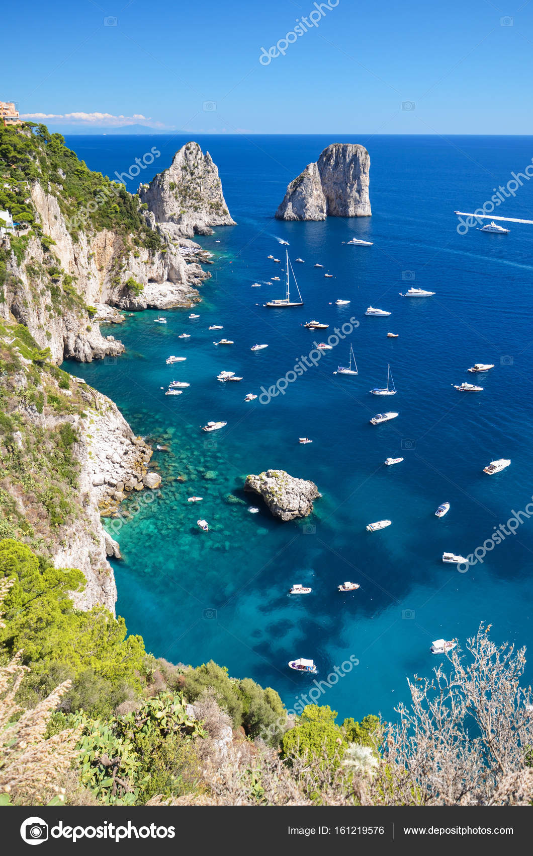 b87d55267981a Capri si trova sul Mar Tirreno. È stato un resort dal momento della  Repubblica romana — Foto ...