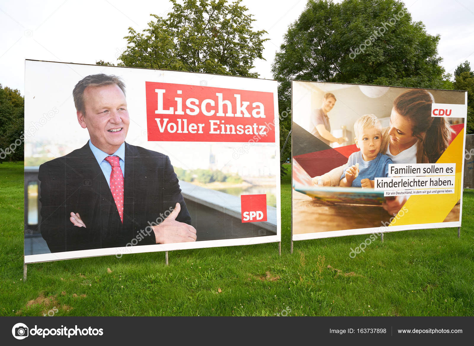 Plakatów Kampanii Wyborczych Zdjęcie Stockowe Editorial