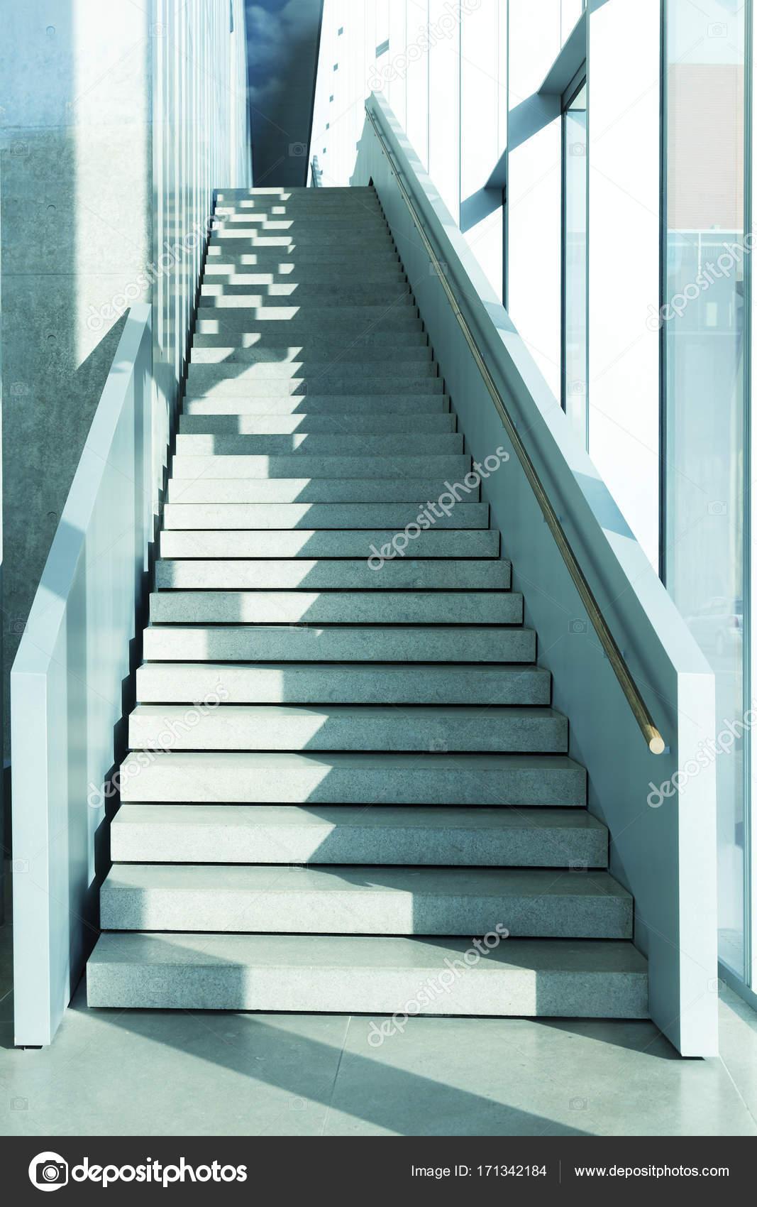 Beeindruckend Moderne Treppen Ideen Von Treppen, Blau Getönten Bild — Stockfoto