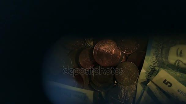 Britské libry, bankovky a mince