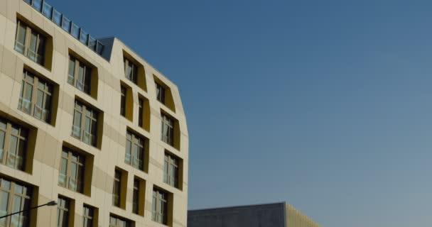 Contemporary Frankfurt Residential Building 3
