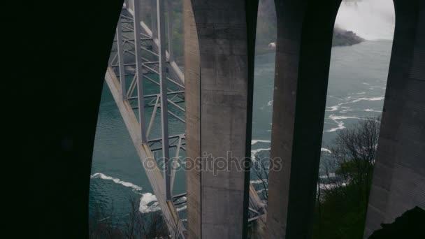 Pod Rainbow Bridge 2