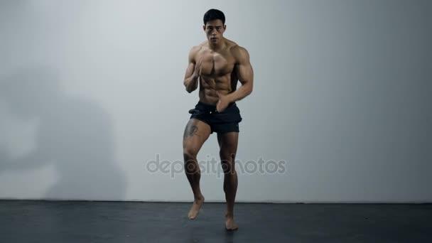 Fitness Model bez práce, přímé spuštění