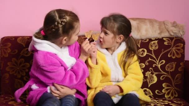 Flickor sitter knulla bilder are mistaken
