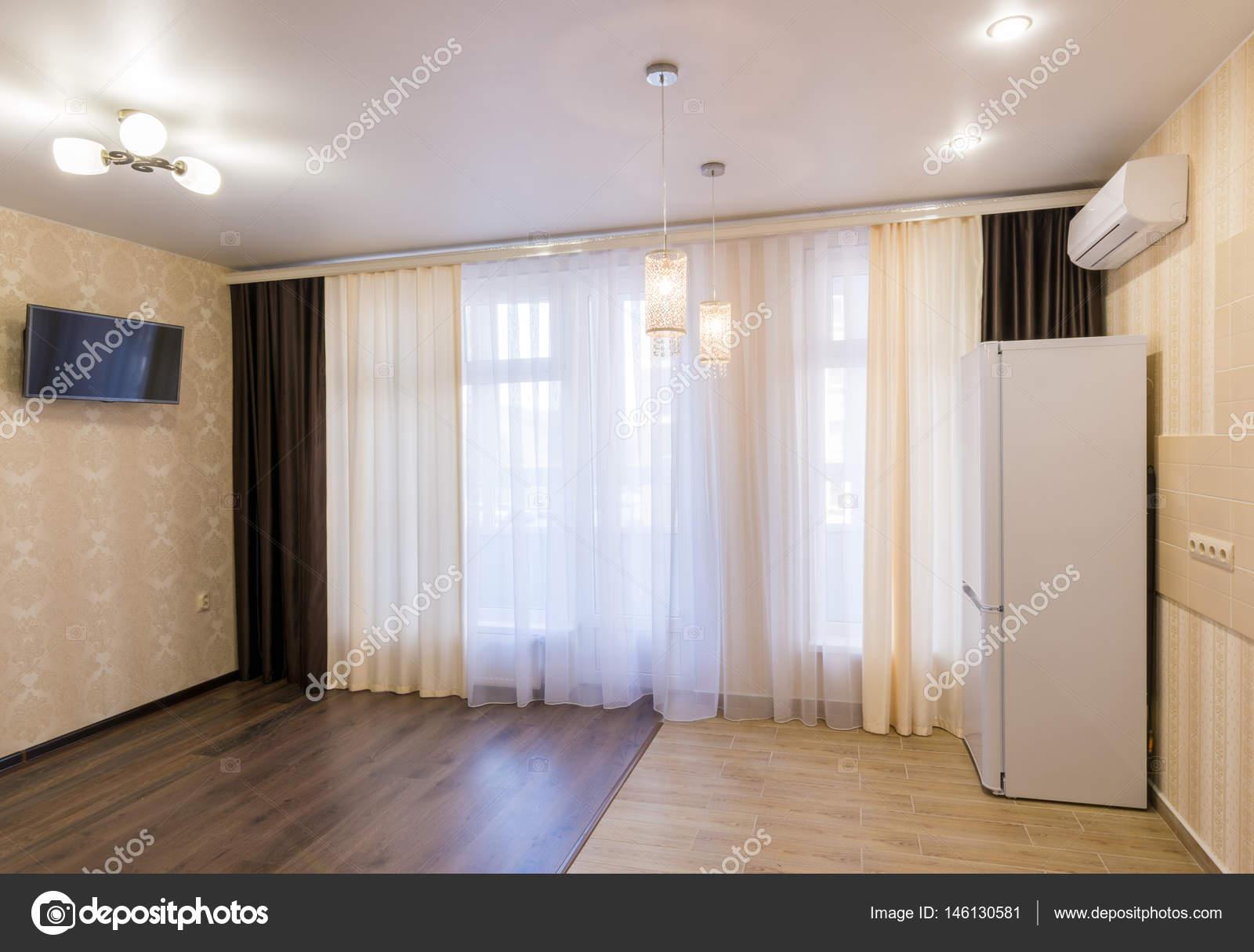 Met Keuken Kleine : Het interieur van een kleine kamer met keuken gerenoveerd