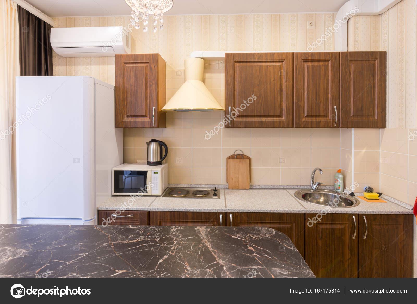 une cuisine moderne  awesome carrelage mur cuisine moderne