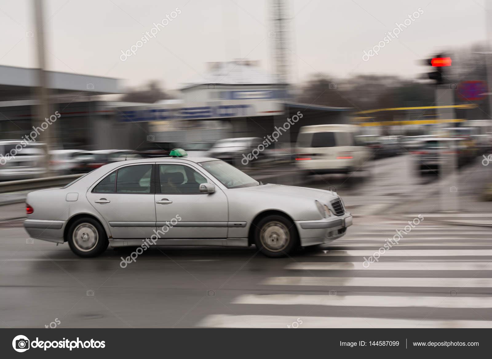 Schnellen Autos - wischen Effekt — Stockfoto © alho007 #144587099