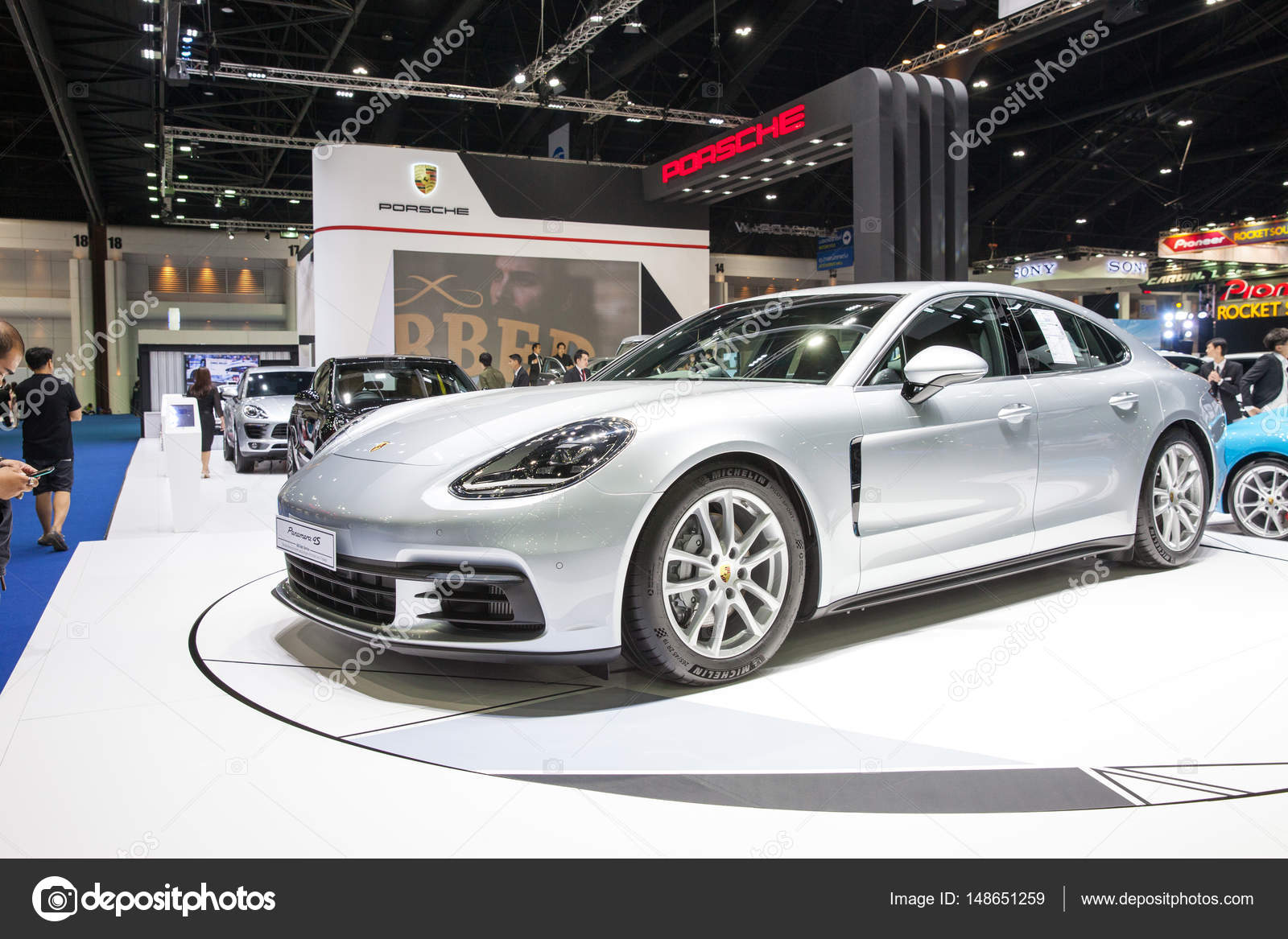 Bangkok, Thailand. 28. März 2017. Porsche Paramera 4 s Auto auf di ...
