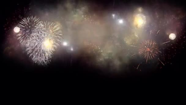 Reális színes tűzijáték fekete háttér használatra overlay.
