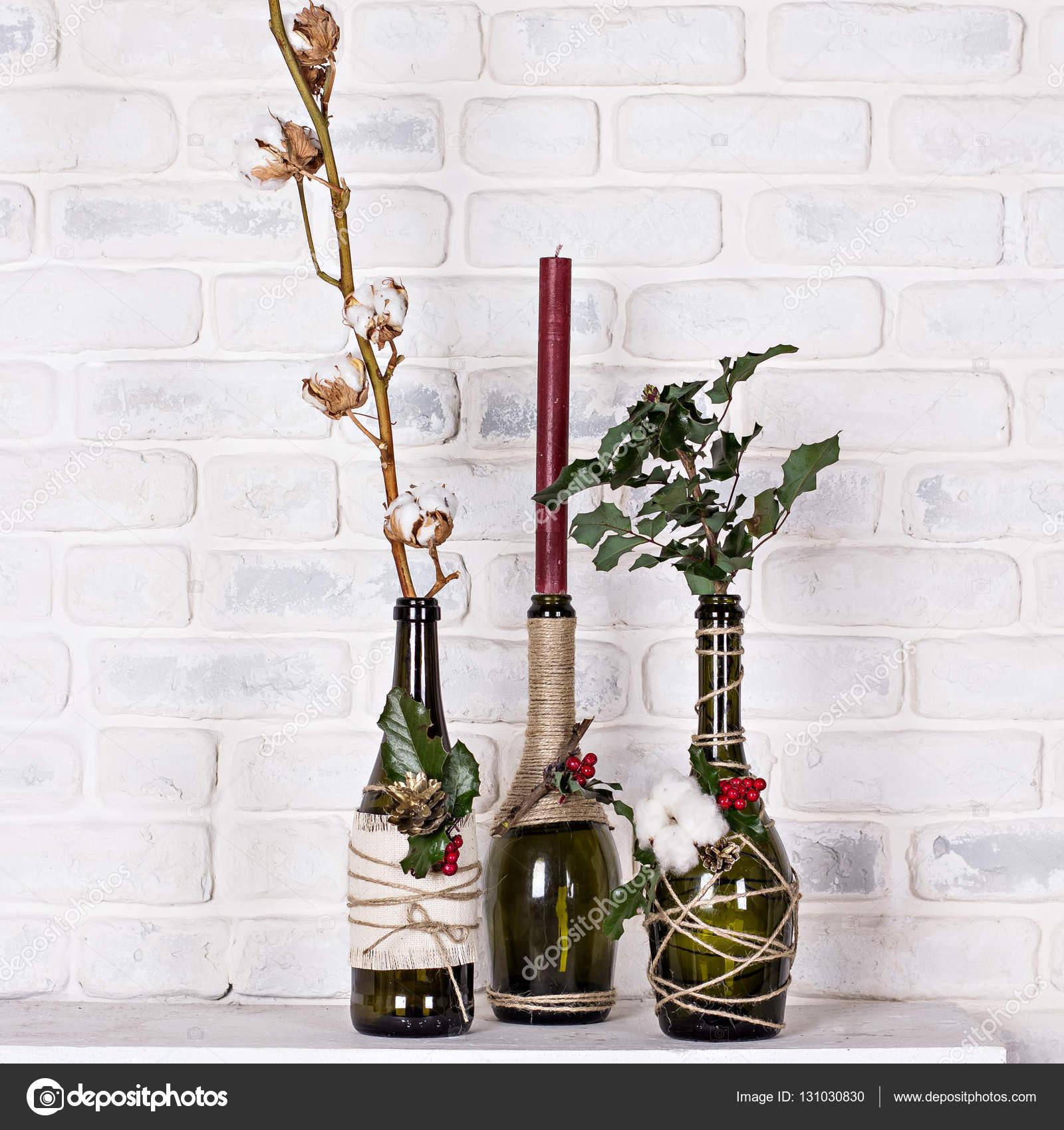 Decorazioni Bottiglie Natalizie.Bottiglia Decorativa Di Natale Decorazioni Di Natale Foto Stock