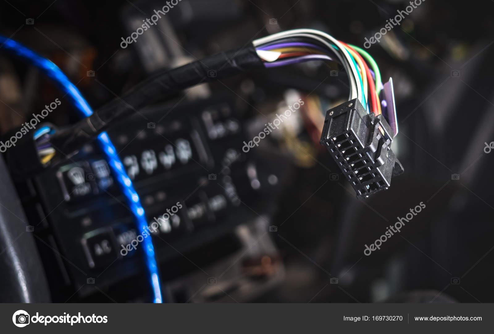 Stecker mit Kabel aus dem Gerät Klima-Steuerelement — Stockfoto ...