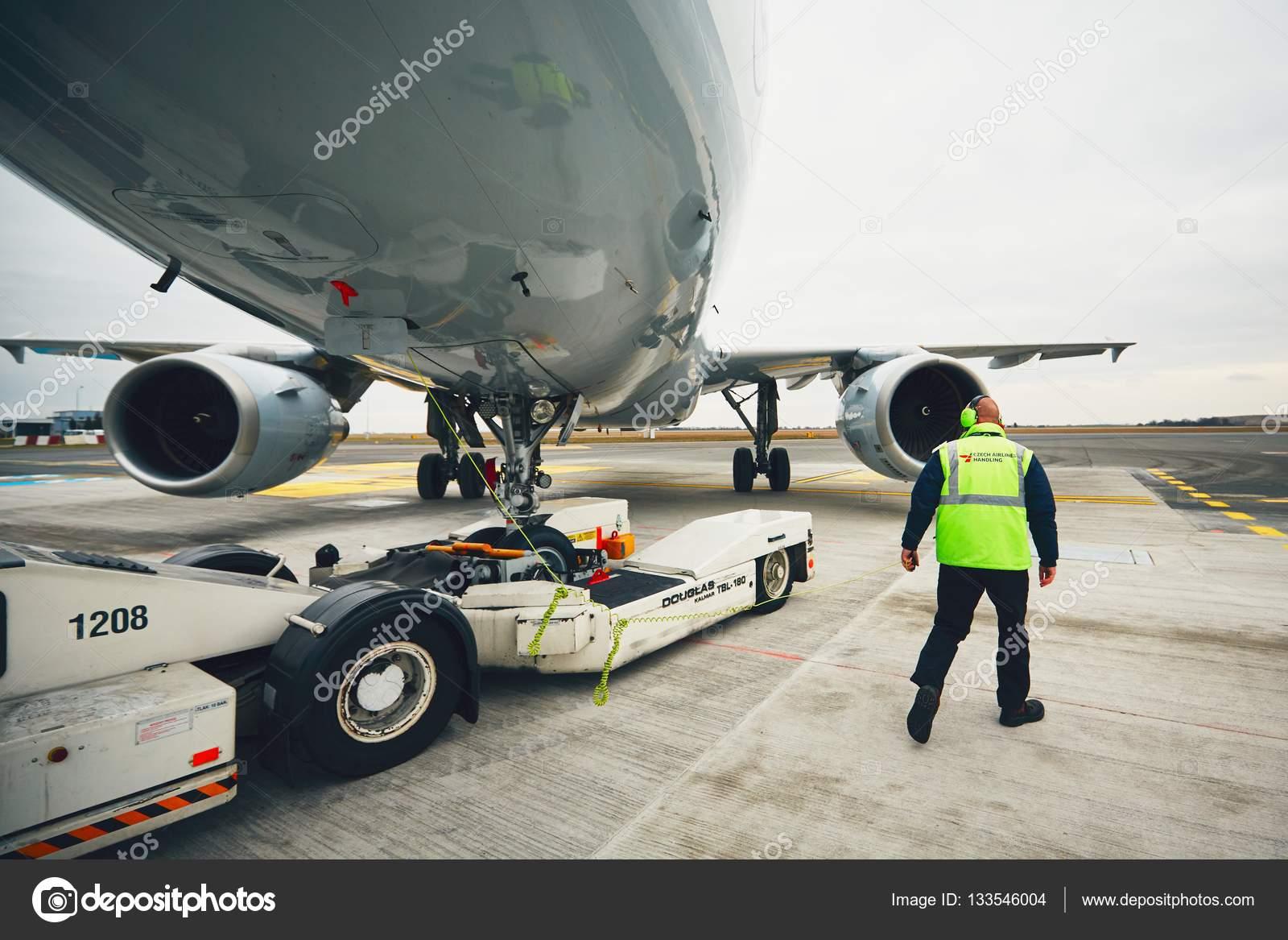 pushback of the aircraft stock editorial photo chalabala 133546004