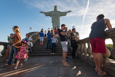People visiting Christ the Redeemer statue