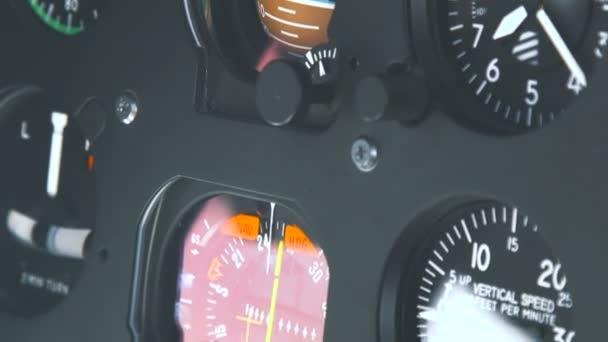 Kokpitu helikoptéry, high-tech řídicí panel, piloti provozní rovina