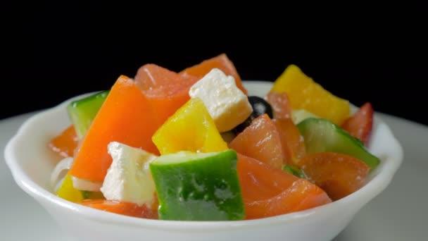 Řecký salát ze zeleniny a sýra