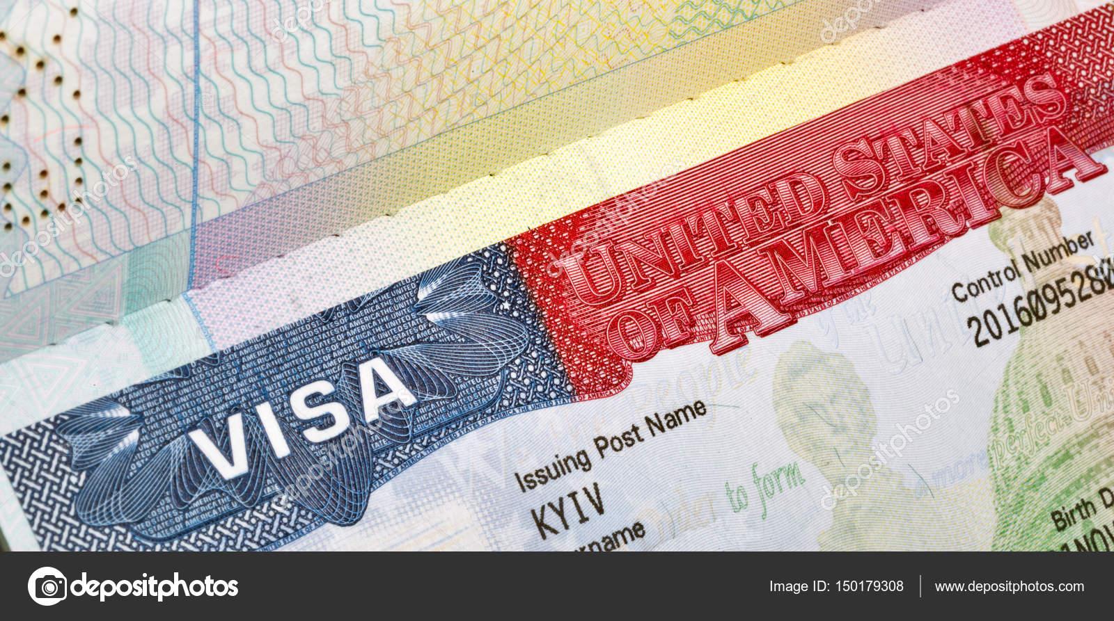 Visa americana en el pasaporte closeup — Foto de Stock