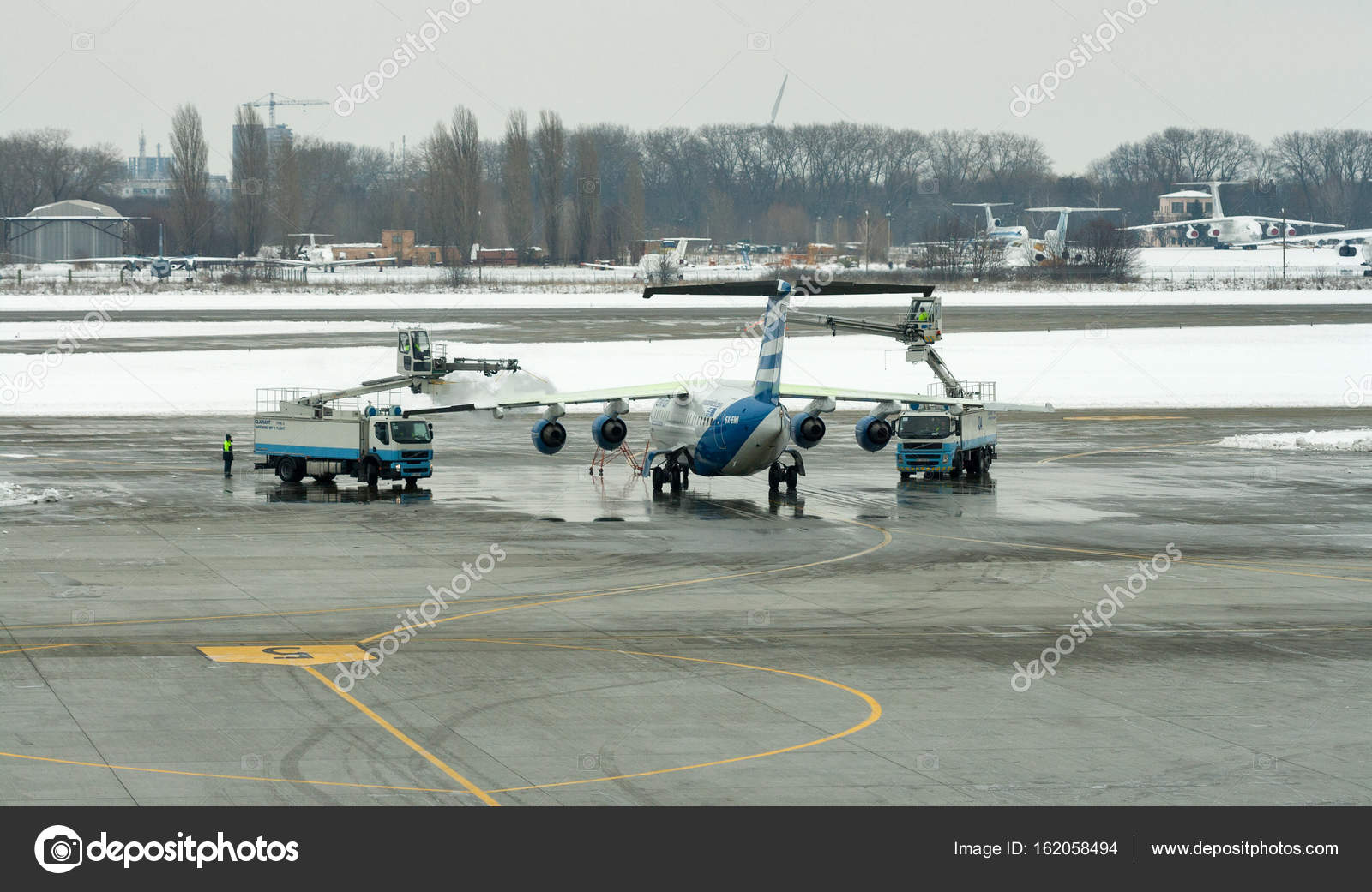 Aeroporto Kiev : Descongelar o motor tratamento wing aircraft em boryspil aeroporto