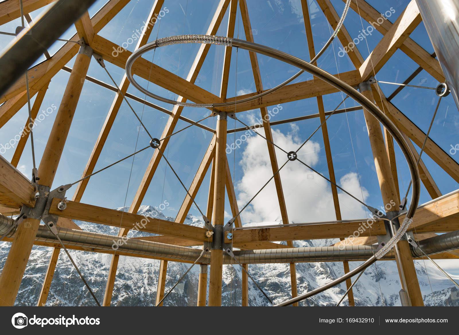 Swarowski observatie toren interieur op de grossglockner in