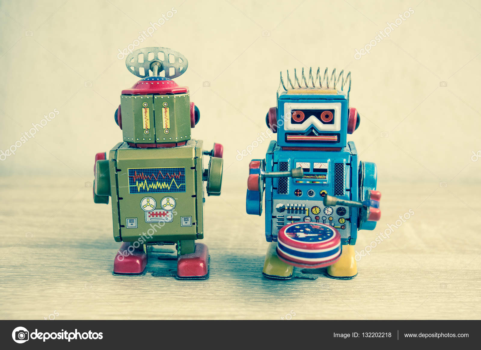 old robot toy on wood table vintage color style stock photo popunderlight 132202218. Black Bedroom Furniture Sets. Home Design Ideas
