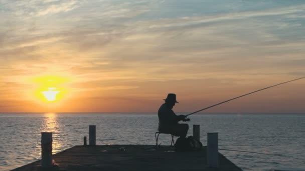 rybář lovit ryby