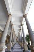 Mlýnské kolonády, Neo-renesanční konstrukce s korintskými sloupy v lázních Karlovy Vary v České republice