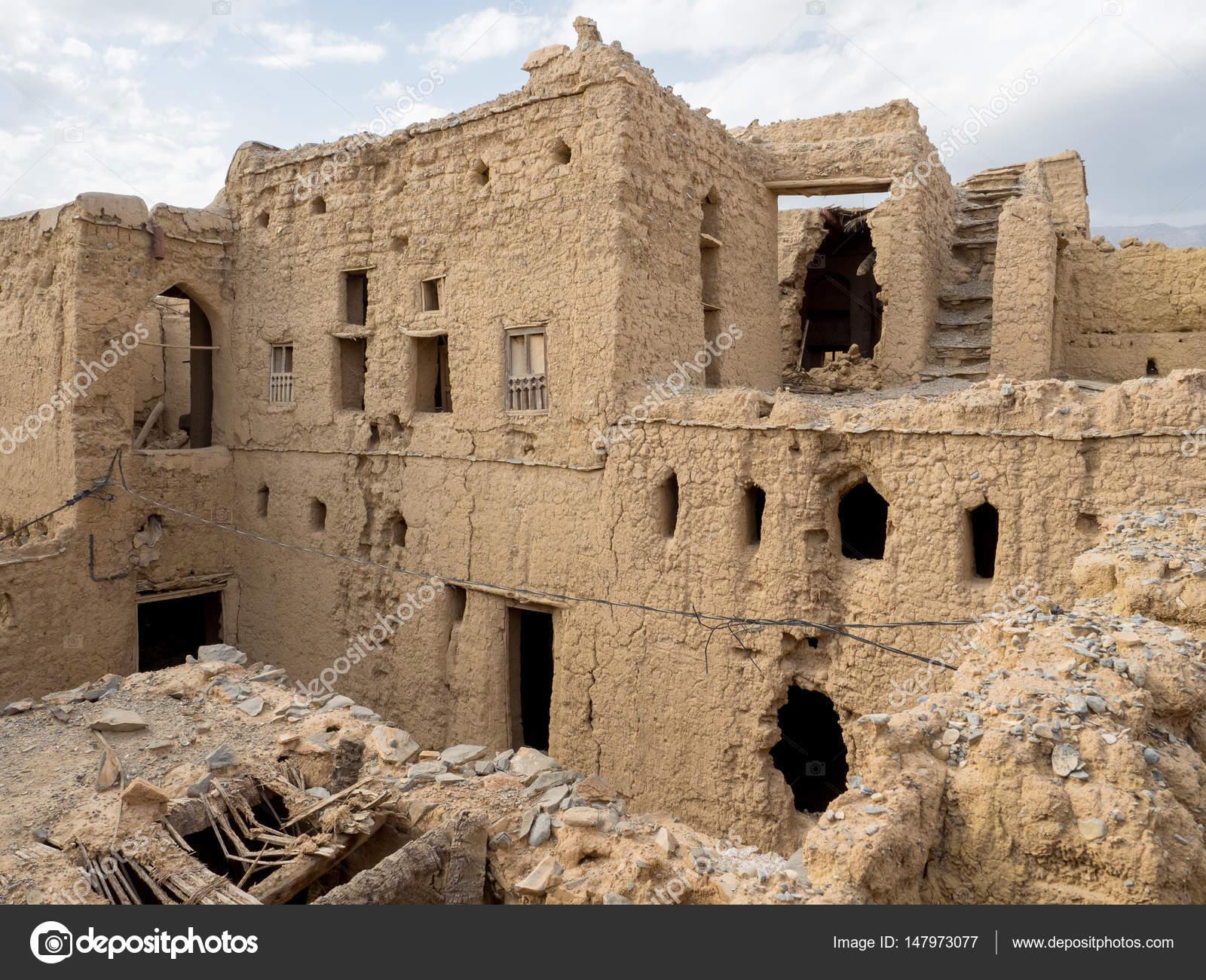 Case Di Mattoni Di Fango : Immagini stock esterno della torre di mattoni di fango case di