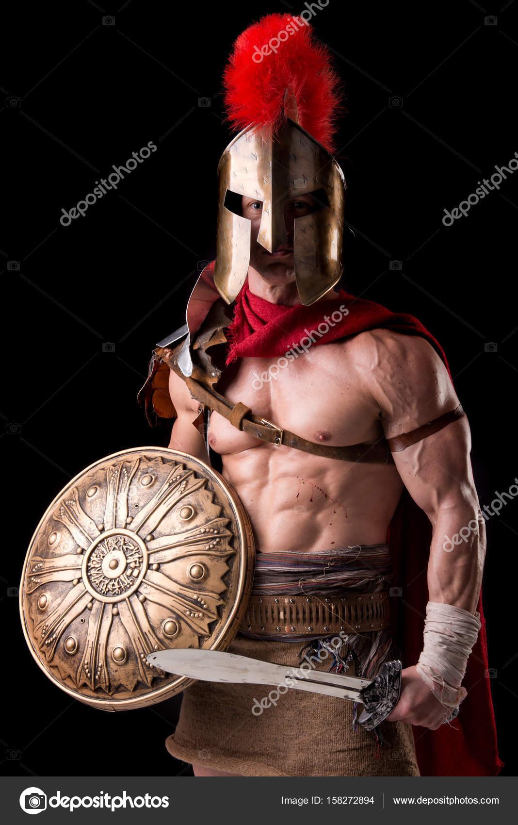 Człowiek W Zbroi Gladiator Zdjęcie Stockowe Verkoka 158272894