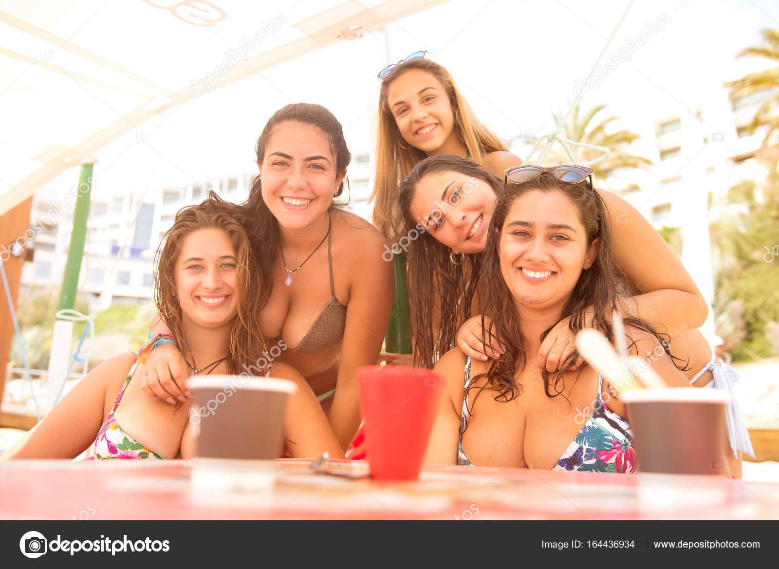 Fotos Para Grupos De Amigos Y Amigas Grupo De Amigos En La Playa