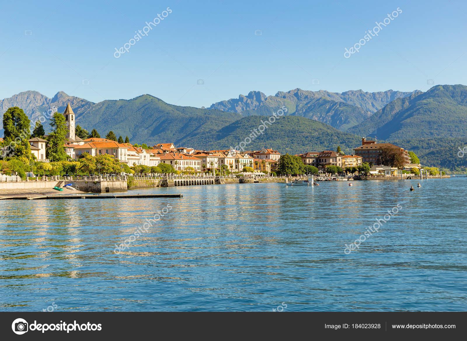 Baveno vicino a stresa sul lago maggiore italia foto for Lago vicino milano