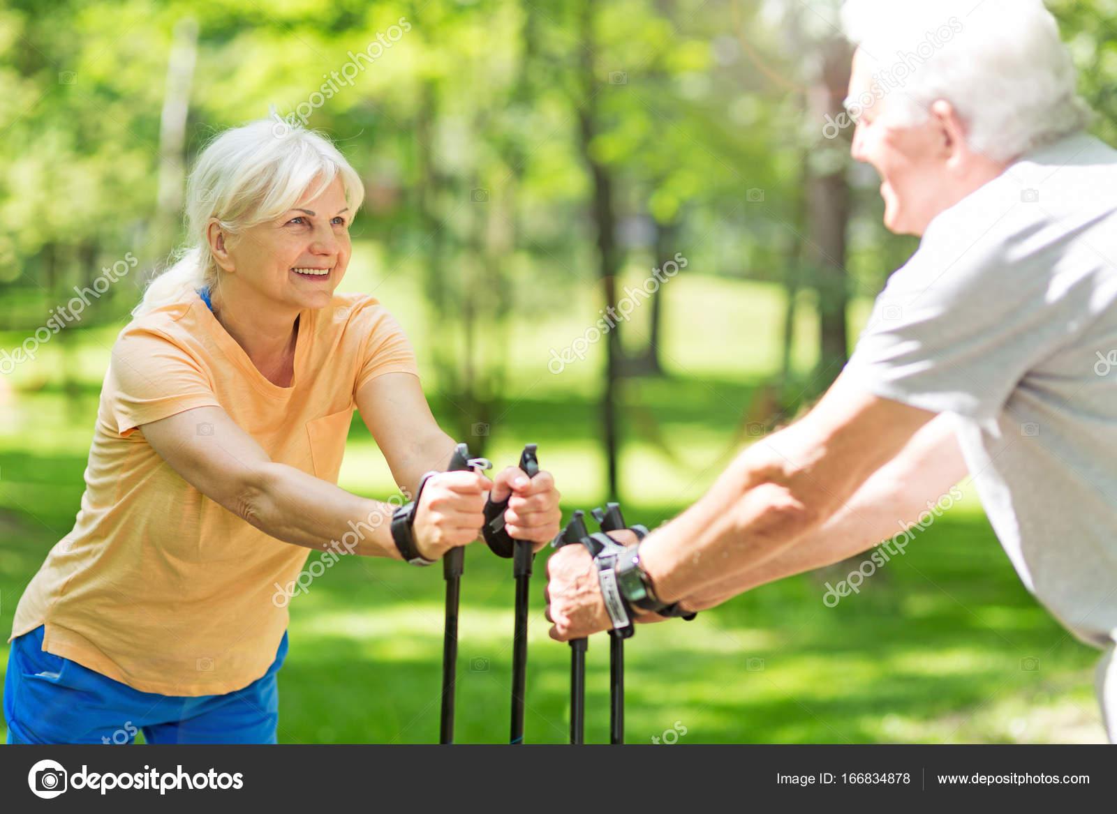 Looking For Older Wealthy Seniors In Philadelphia