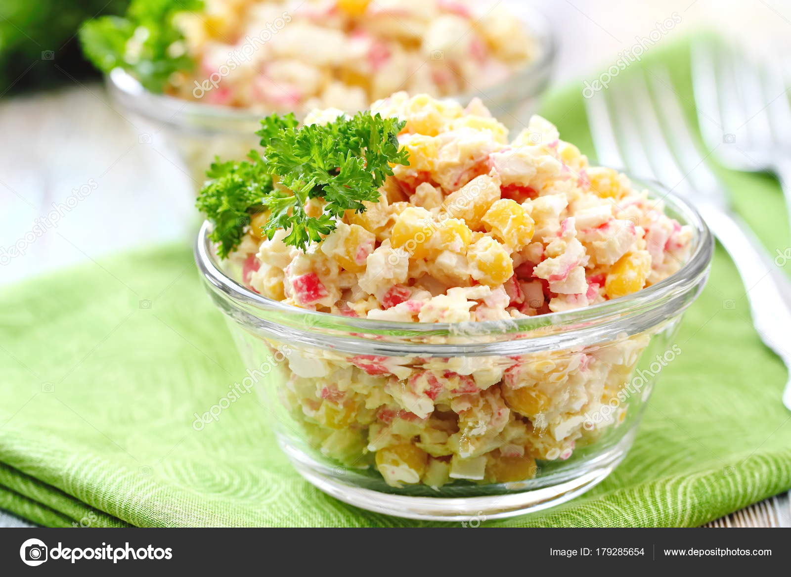Classic salad of crab sticks. Crab sticks with an egg: a recipe 77
