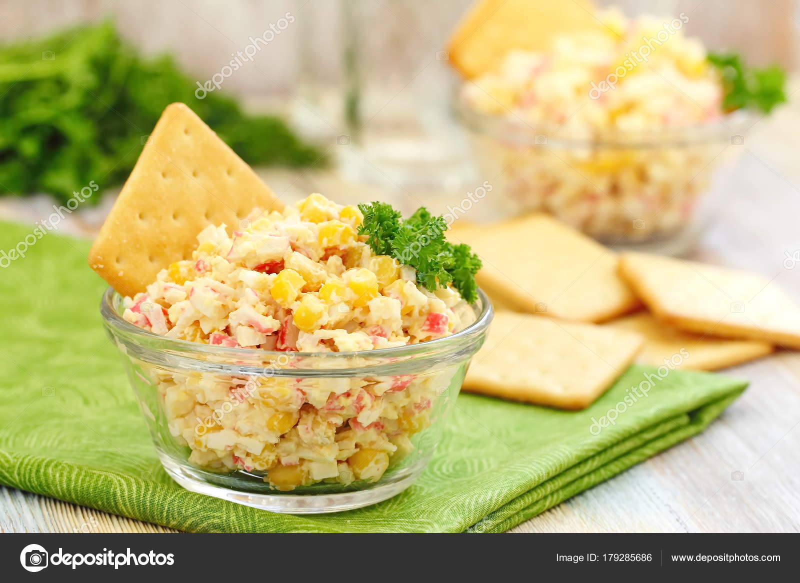 Classic salad of crab sticks. Crab sticks with an egg: a recipe 68