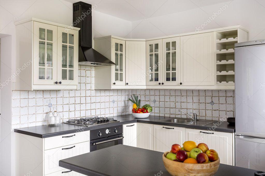 Platzsparende Lösung für kleine Küche-Idee — Stockfoto ...