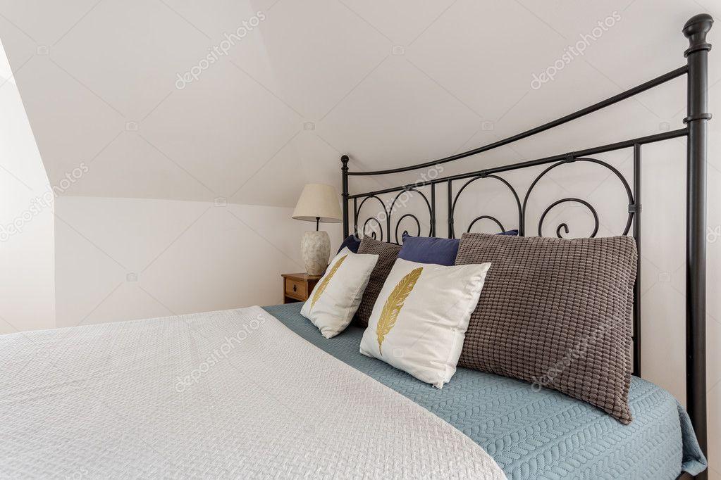Dekorative Metall Bett Rahmen Idee U2014 Stockfoto