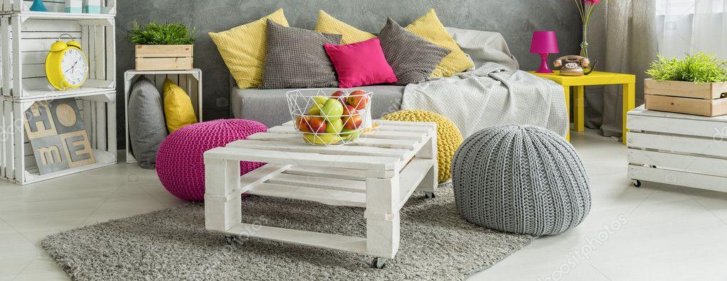 Sala de estar moderna colorida stock photo for Sala design moderno