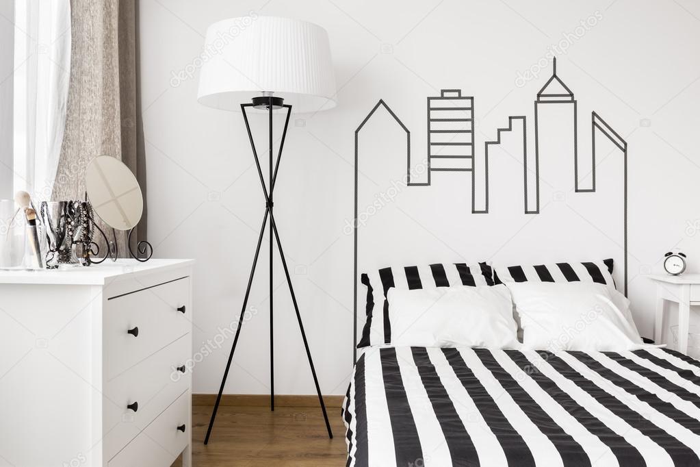 Weiße Möbel im Schlafzimmer — Stockfoto © photographee.eu ...