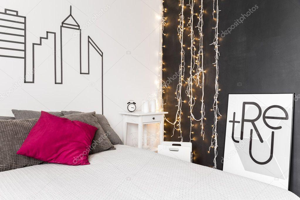 Illuminazione Camera Da Letto Contemporanea : Idea di illuminazione camera da letto u foto stock photographee