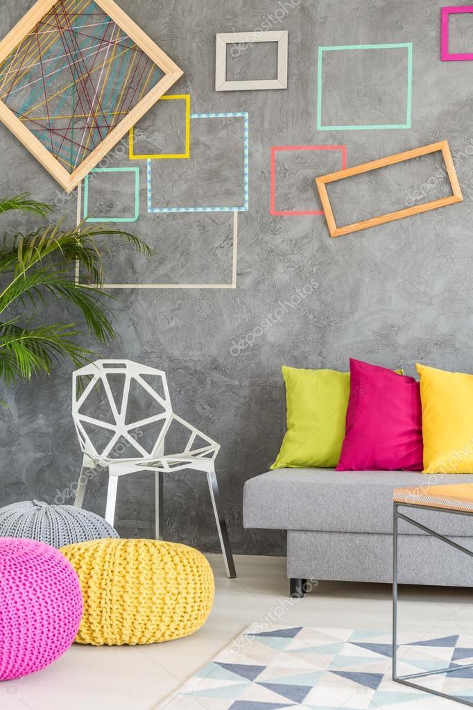 Sala de estar con Marcos coloridos — Foto de stock © photographee.eu ...