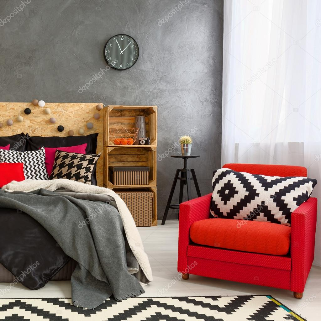 Gemusterte Kissen Und Teppich In Modernen Schlafzimmer U2014 Foto Von  Photographee.eu