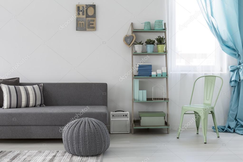 Minimalistische lichte woonkamer — Stockfoto © photographee.eu ...