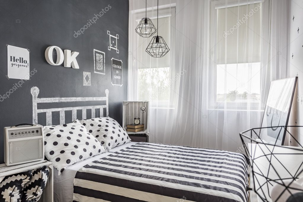 Mała Przytulna Sypialnia Czarno Białe Zdjęcie Stockowe